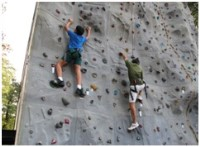 3mar2012-Father-son pairs as they scaled up the wall.jpg